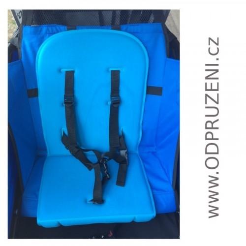 Modrý paměťový polstr do vozíku za kolo