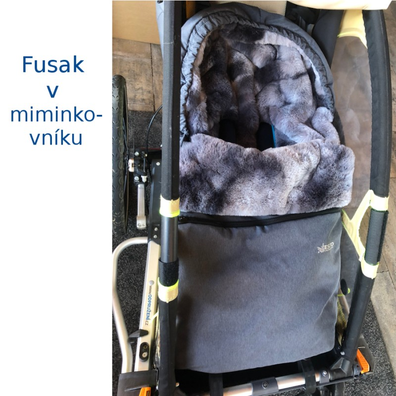 Fusak v miminkovníku vozíku za kolo Leggero